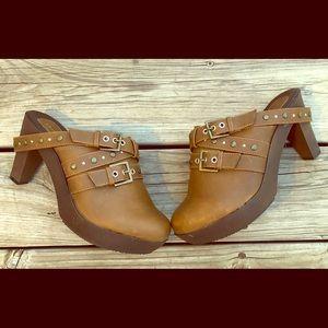 New Cloudwalkers heeled clogs size 9.5W